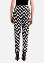 Fortune Clothing - Jogger Trousers – Black & White Chevron