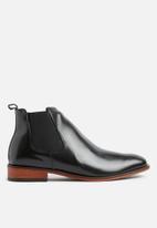 Superbalist - Josh leather chelsea boot - black