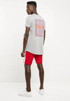 Superbalist - Tricot side stripe short - red & white