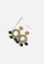 Superbalist - Raffia round earrings - natural & black