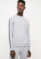 Superbalist - Crew sweater piping - grey