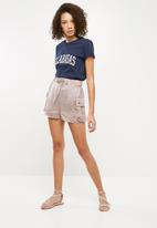 Missguided - Calabasas slogan T-shirt - navy