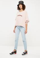 Missguided - Lust bum rip low rise boyfriend jean - blue