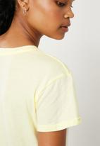 Superbalist - Have a great day tee - yellow