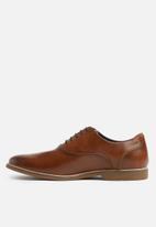 Steve Madden - Nunan leather oxford - tan