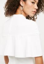 Missguided - Over frill shoulder midi dress - white
