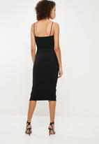 Missguided - Strappy scoop neck midi dress - black