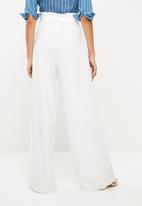 Missguided - Tailored paperbag waist trousers - white