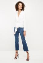Missguided - Satin tie waist top - white
