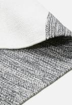 Sixth Floor - Jolie rug - charcoal & white