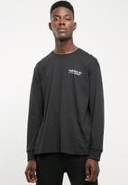 adidas Originals - Kaval long sleeve tee - black & green