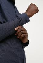 Superbalist - Slim fit long sleeve point collar shirt - navy & white