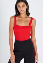 Supré  - Interlock square neck cami - red