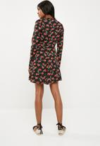 Missguided - Black long sleeve lace trim tea dress - black