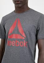 Reebok - EL stacked tee - charcoal