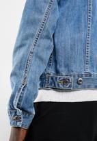 Superbalist - Basic denim trucker jacket - mid wash blue