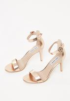 Steve Madden - Born - rose gold