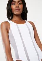 Missguided - Mesh insert stripe swimsuit - white