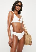 Missguided - Cage open front bandage bikini set - white
