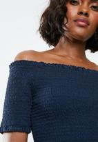 Jacqueline de Yong - Damilla off shoulder top - navy