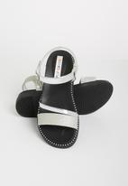 POP CANDY - Metalic crossover sandals - silver