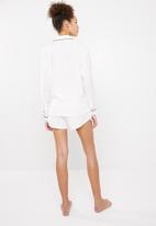 Superbalist - Sleep shirt and shorts set  - white