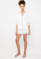 Superbalist - Sleep shirt and shorts set  - white