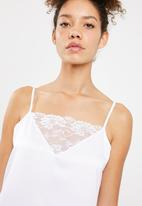 Superbalist - Lace detail nightie - white