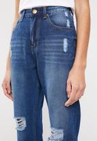 Superbalist - Med wash mom jeans - blue