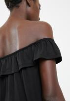 Superbalist - Off the shoulder button through top with frill - black