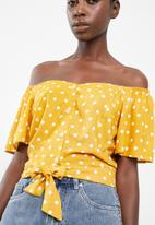 Superbalist - Tie front feminine shirt - yellow & white