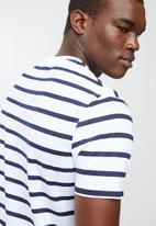 Superbalist - Stripe graphic crew neck tee - white & navy