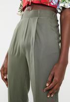 Superbalist - Soft tapered pants - olive