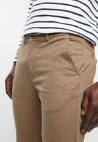 Superbalist - Cropped slim chino - taupe
