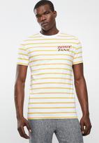 Superbalist - Stripe graphic crew neck tee - white & yellow