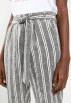 Superbalist - Linen pants- black & white
