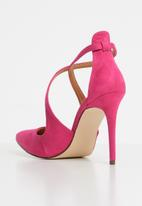 Sissy Boy - Strappy court heels - pink
