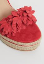 Sissy Boy - Espadrille flower wedges - red