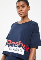 Reebok Classic - Cropped tee - navy & white