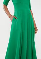 STYLE REPUBLIC - Volume fit and flare dress - green