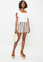 STYLE REPUBLIC - Front button blouse - white