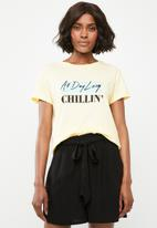 Superbalist - Chillin tee - baby yellow