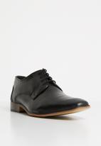 Superbalist - Elliot leather formal - black