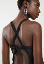 Lithe - Criss-cross front one piece black