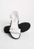 POP CANDY - Frill sandal - white