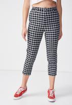 Supré  - Belted slim leg pant - black & white