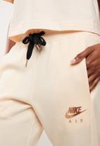 Nike - Air jogger - peach
