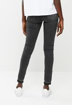 Levi's® - 710 super skinny - black