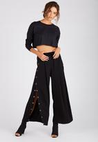 Supré  - Long sleeve super crop cuff tee - black