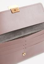 STYLE REPUBLIC - Leather-look wristlet - purple